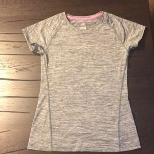 H&M sport short sleeve shirt